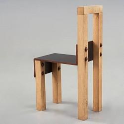 İron Sandalye